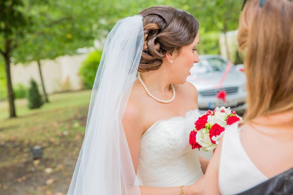 Coiffeuse à domicile pour une coiffure de mariage en Gironde